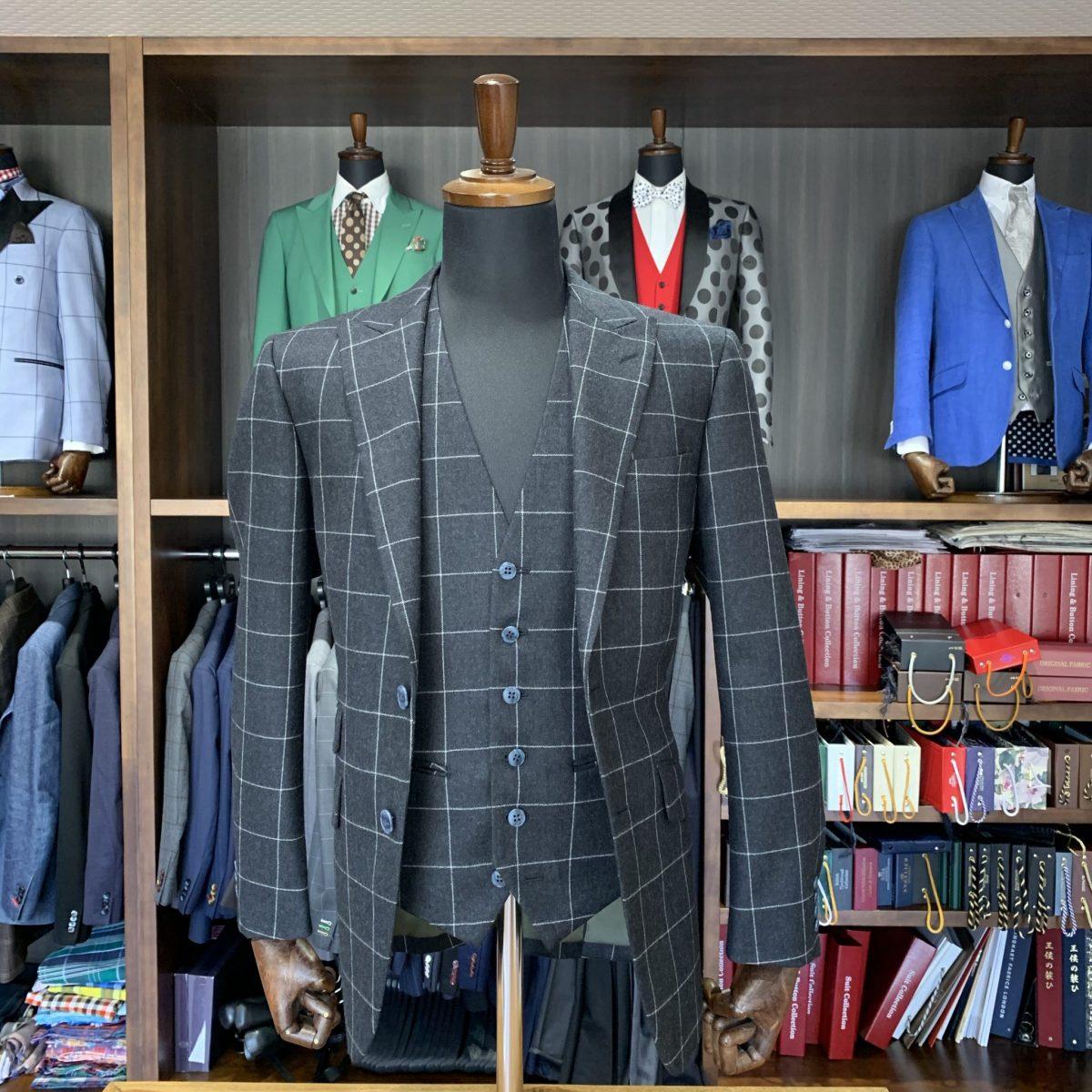 滋賀県甲賀市N様のオーダースーツを仕上げさせていただきました!