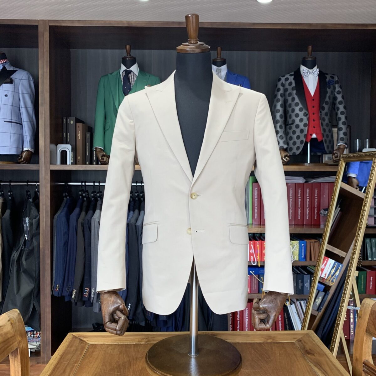滋賀県守山市N様のオーダースーツを仕上げさせていただきました!