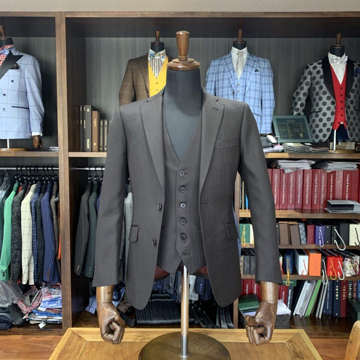 滋賀県草津市R様のオーダースーツを仕上げさせていただきました!