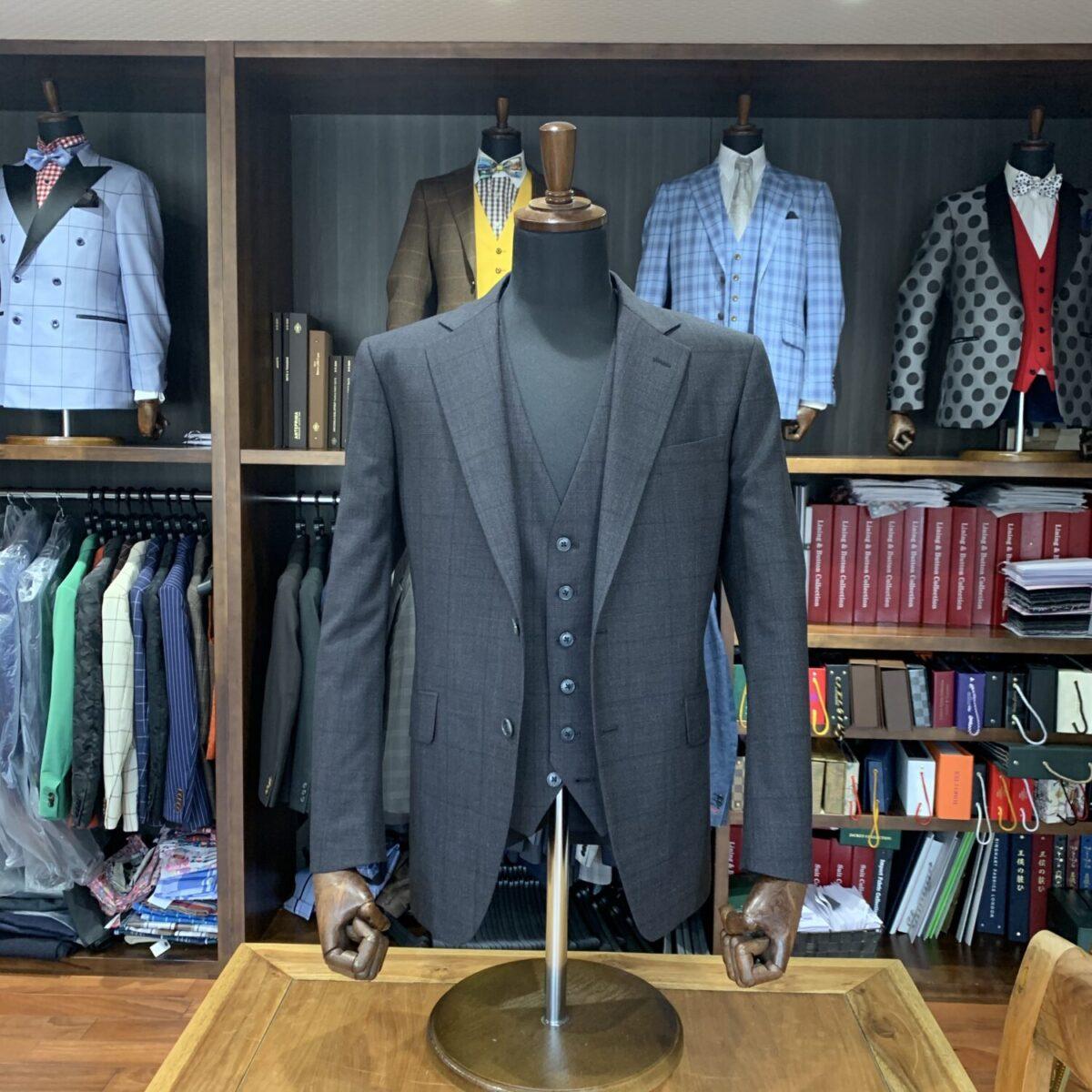 滋賀県草津市O様のオーダースーツを仕上げさせていただきました!